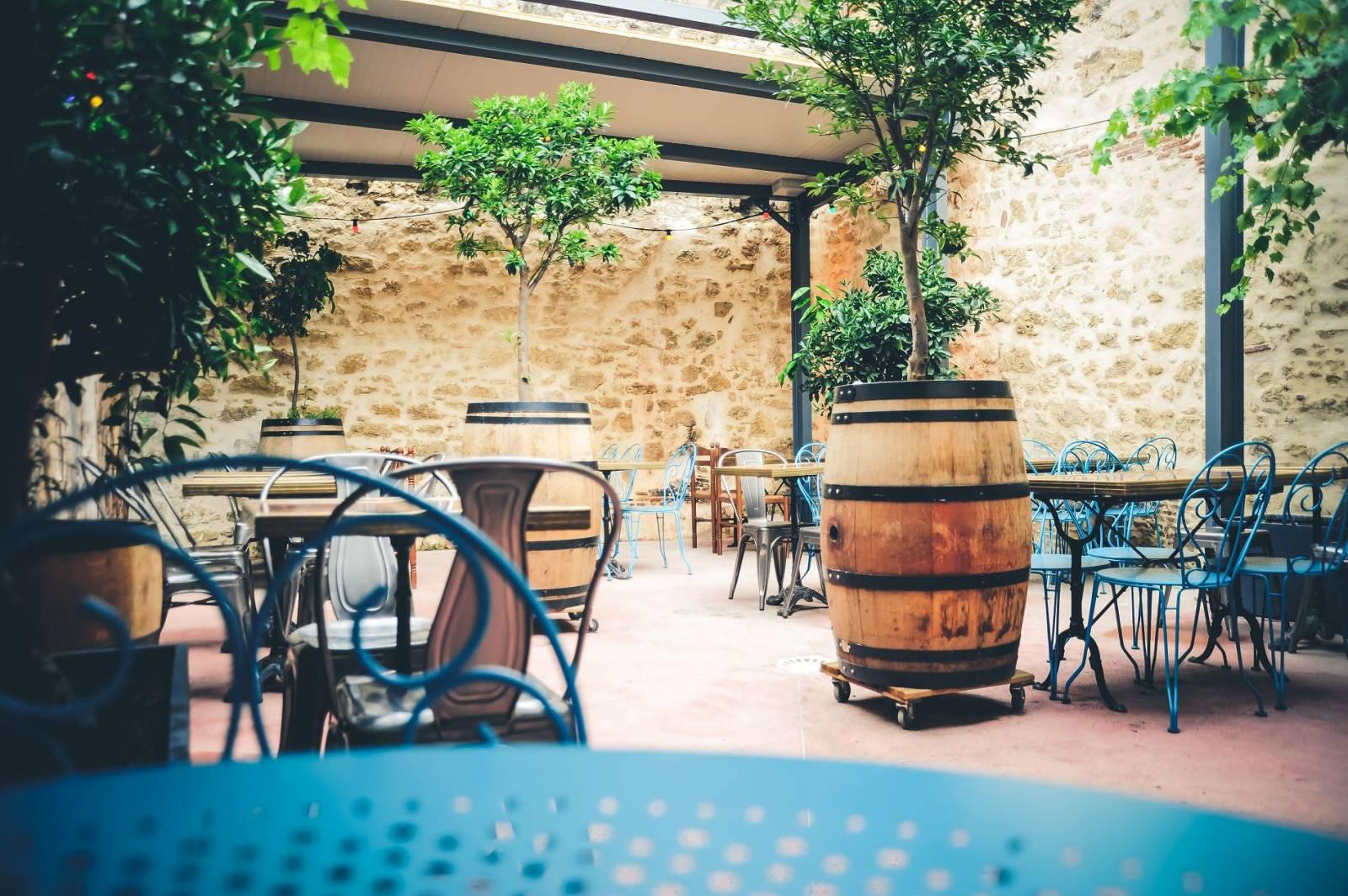 restaurant et bar cocktails avec terrasse sur bordeaux quartier libre. Black Bedroom Furniture Sets. Home Design Ideas